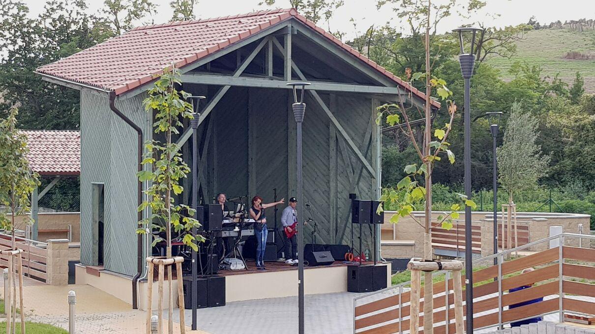 resort-rybnicek-koncert1m