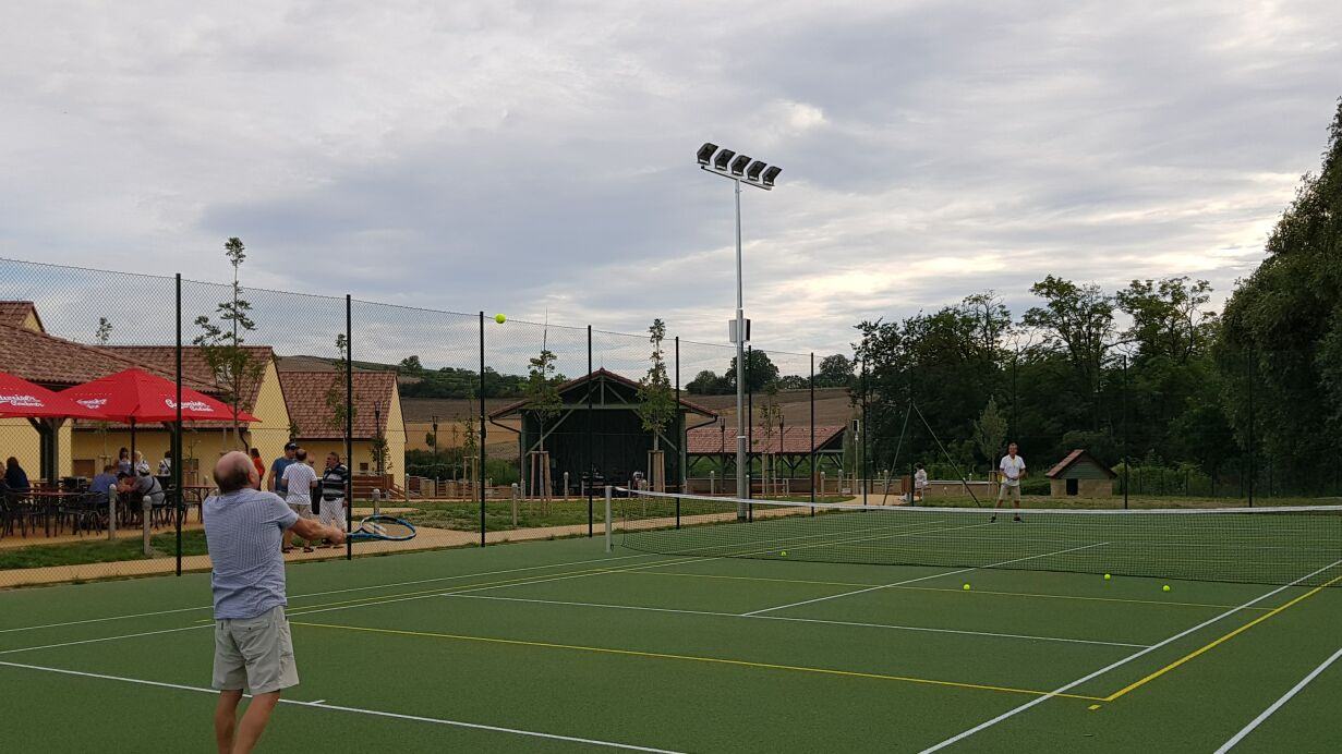 resort-rybnicek-tenis1m