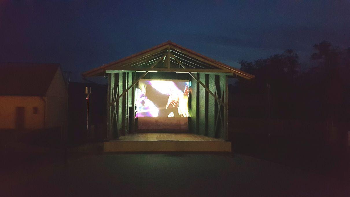 resort-rybnicek-vecerni kino1