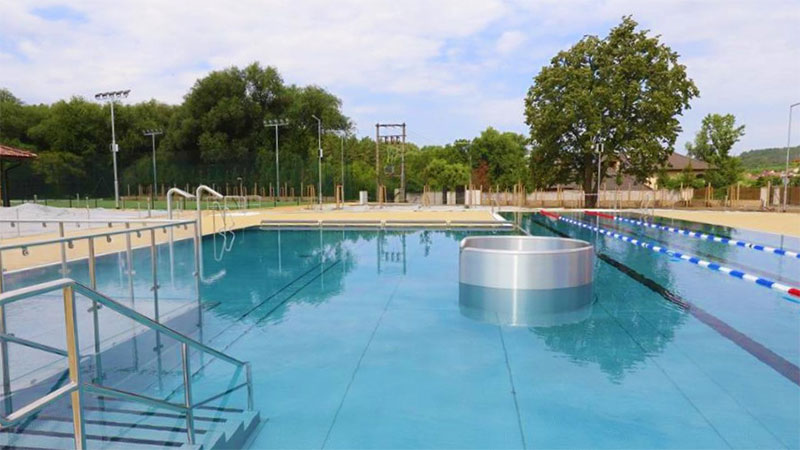 resort-rybnicek-venkovni-bazen-01
